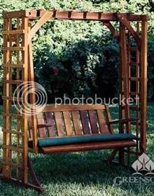 Là nơi vui đùa của lũ trẻ hay vợ chồng. Xích đu làm từ gỗ BFT được tẩm sấy cho phù hợp khí hậu mưa nắng thất thường nước ta.