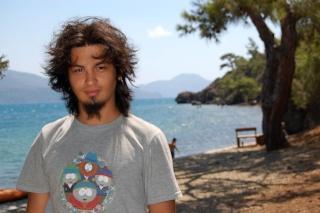 Volkan (Saçları daha uzun)