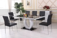 GIOVANI Black/White High Gloss Glass Dining Table Set and ...