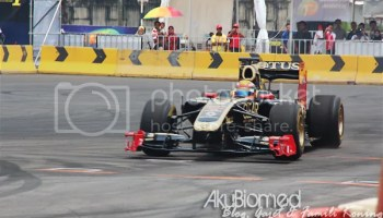 Kereta F1 Lotus di Proton Power of 1