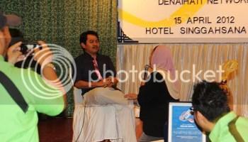 Abang Ensem dan Kak Siti melakonkan babak filem Ombak Rindu