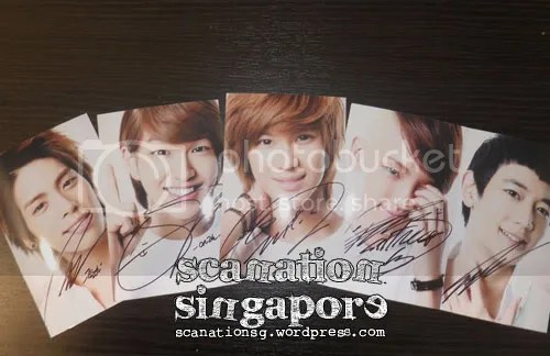 SHINee Autographed SMTOWN Live'10 Photocard
