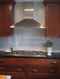 Herringbone pattern in backsplash