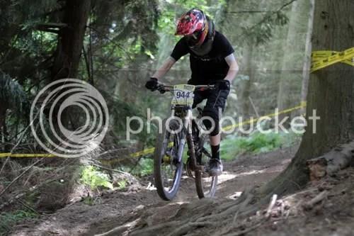 hopton castle downhill mountain bike 8