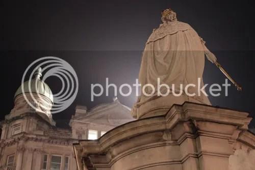 queen anne statue st paul's london 7