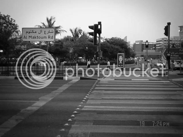 maktoum pedestrian crossing