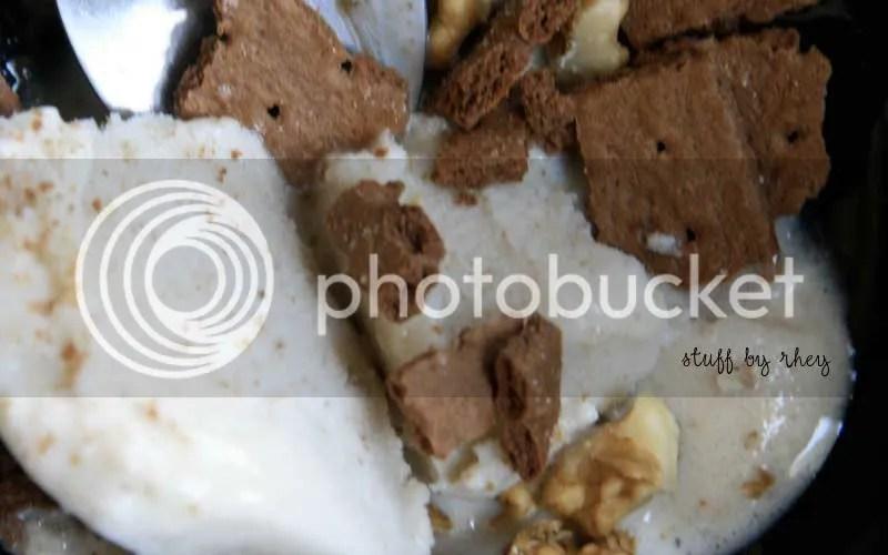 fro yo with grahams walnuts