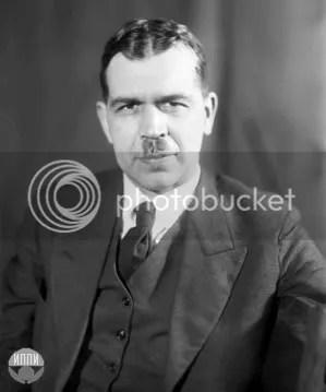 ស៊ែកហ្គេអ៊ីវ៉ាណូវិច វ៉ាវីឡូវ (Sergey Ivanovich Vavilov, 1891-1951)