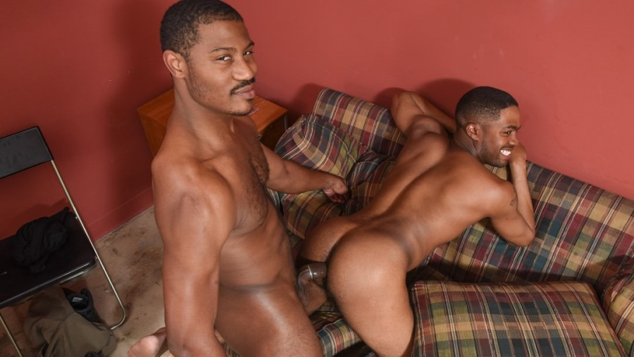 RelityDudes – Adonis Couverture & Ian Lust