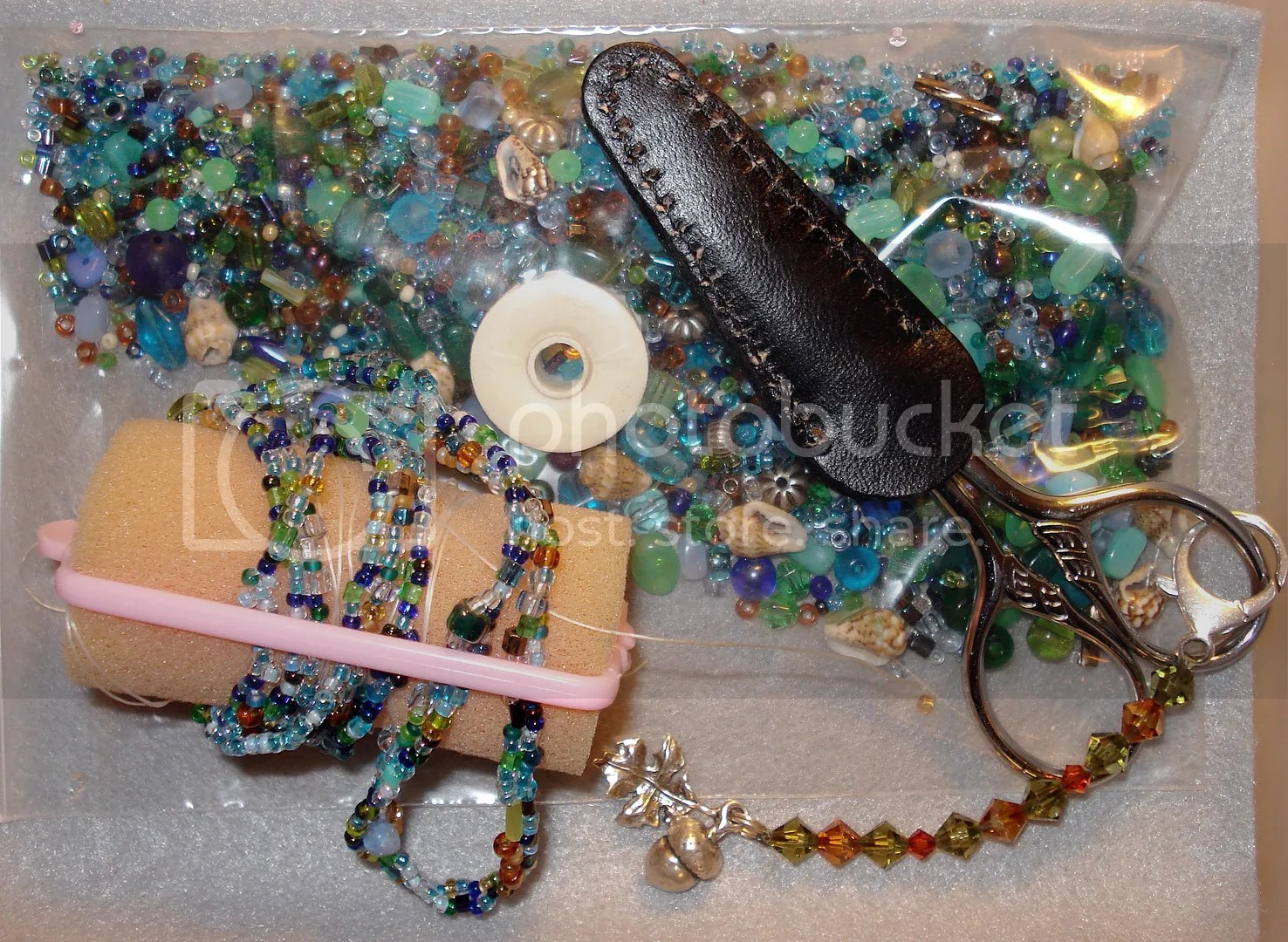 traveling beads beading to go NYC freeform peyote stitch thelonebeader bead shopping