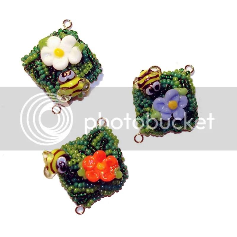 beaded Inchy bee bead embroidery inchies pendants etsy shop beading blog