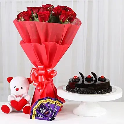 Sweet Combo For Sweetheart Standard Gift Sweet Combo For