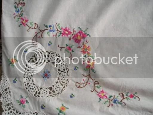 tablecloth corner