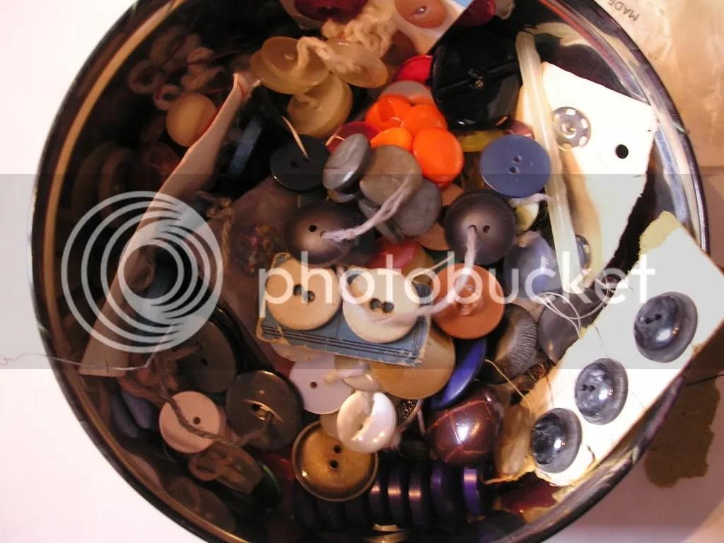 The Button Tin