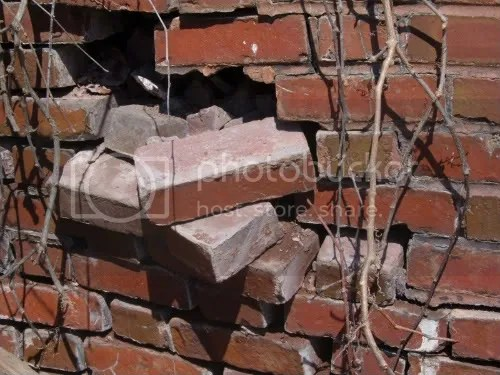 dilapidated bricks at Glensheen