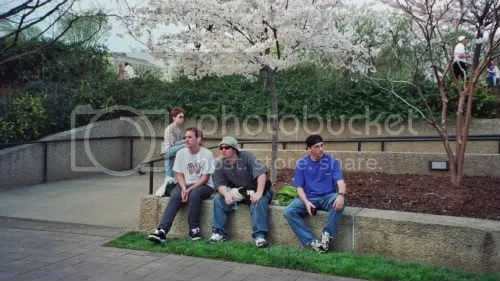 my friends hanging out in the Hirshorn Sculpture Garden