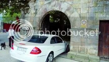 Entrada del Castillo de Priorio desde Las Caldas
