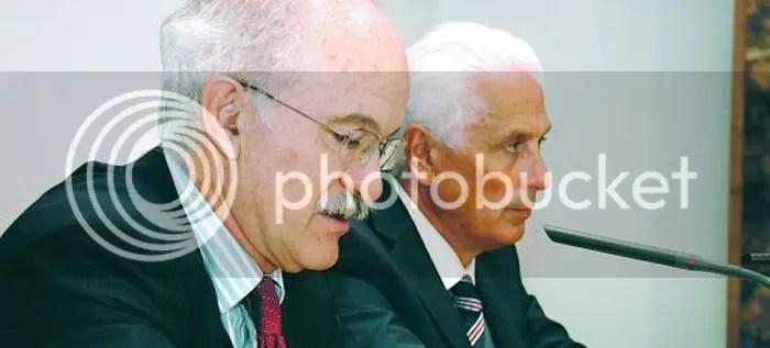 Fernando Menéndez Rexach y José Luis Diaz Rato, en la rueda de prensa en la que la Autoridad Portuaria reconoce el sobrecoste de El Musel