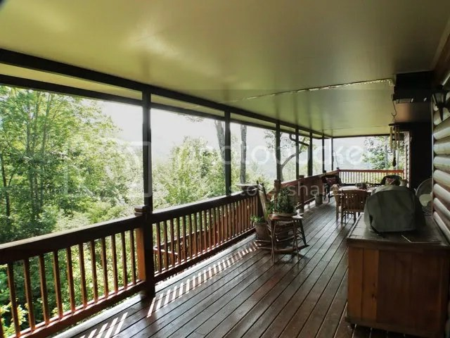 Entertain in style on the large covered decks with mountain views