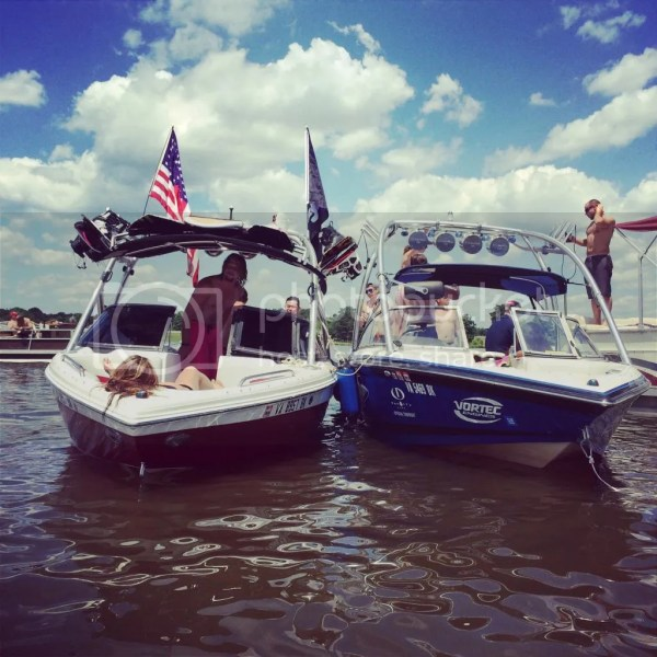Flag Pole - Boats Accessories & Tow Vehicles
