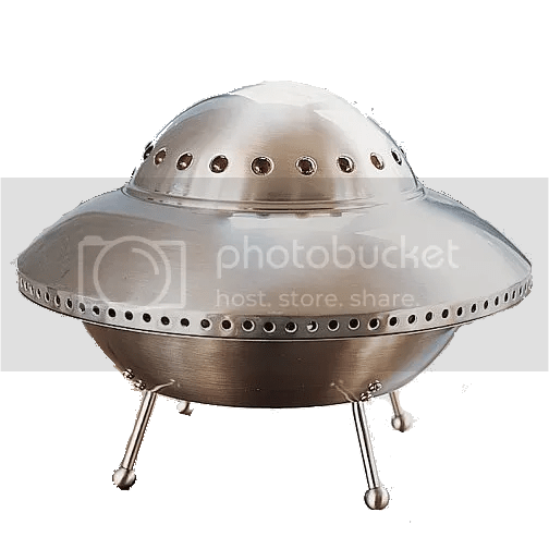 flying saucer in a field photo: Saucermoon moon-18.png