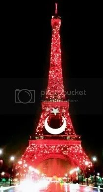 Red-crescented Paris (Year of Turkey, 2009-2010)