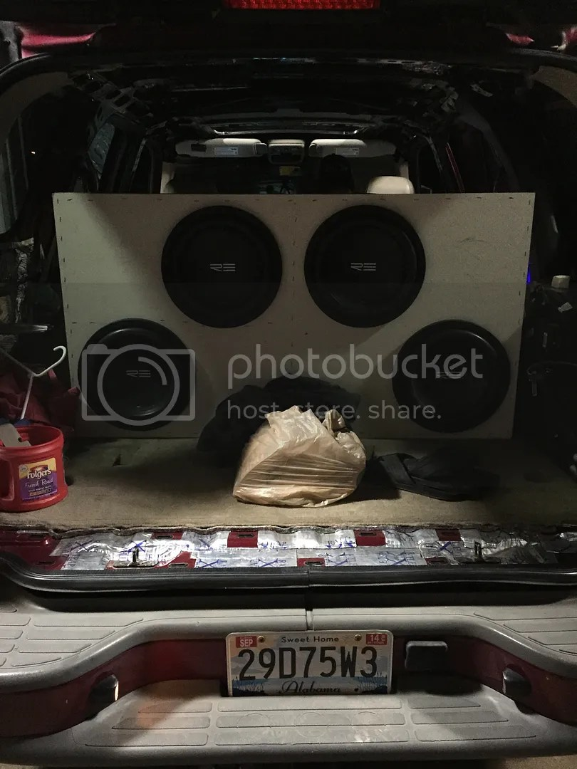 hight resolution of my 05 tahoe and my stereo system that s still a work in progress