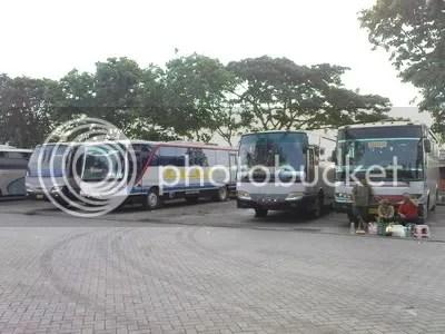 Parkir bis di bungurasih