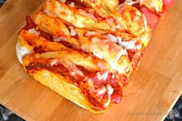 Pepperoni Pull Apart Pizza Bread