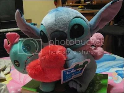 #LS030 – Disney Stitch w Scrump Hugging Heart Plush S$28