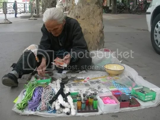 Grandma peddler, miao Guiyig, henan, china