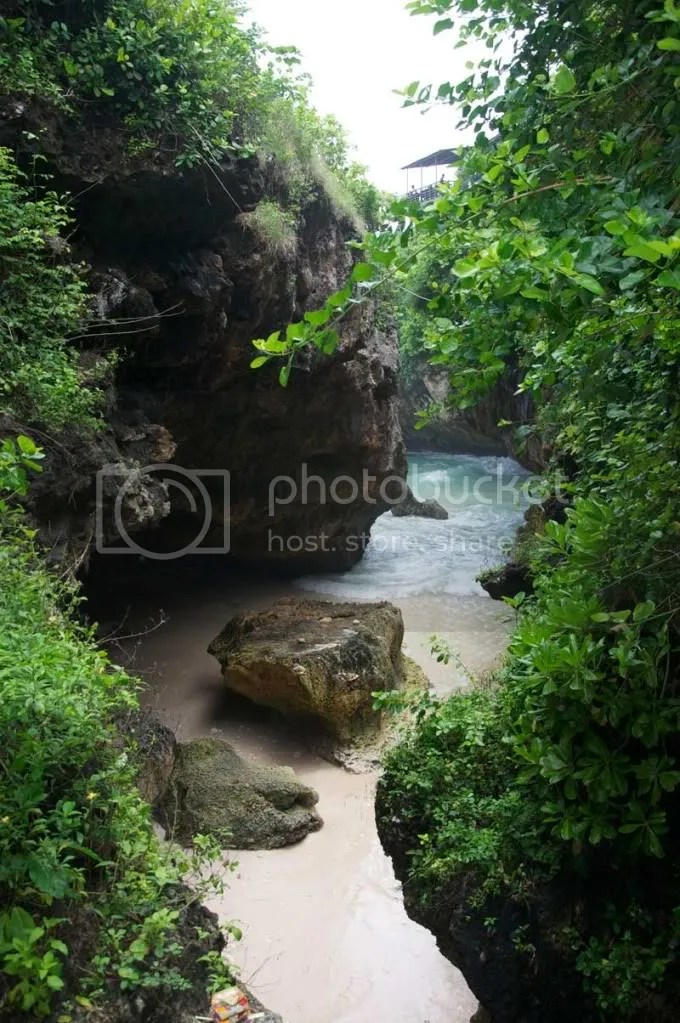 uluwatu,bali,holiday,cave,swimming,relax