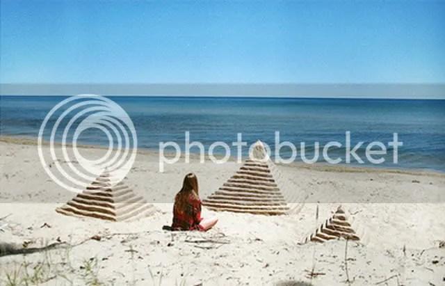 pyramids,triangle,beach,summer