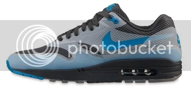 2011-06-03-Nike Stock-12