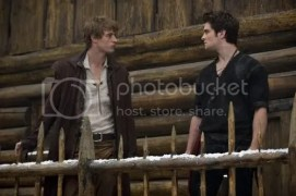 shiloh_fernandez_max_irons_red_riding_hood_interview_catherine_hardwicke_twilight_director.jpg