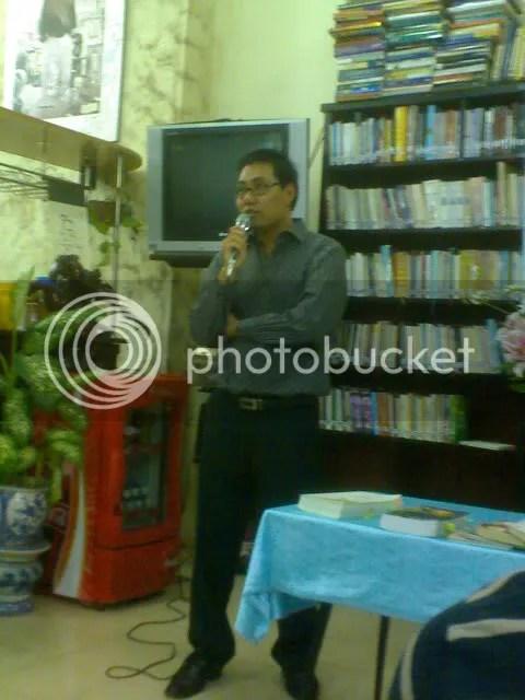 Dịch giả Nguyễn Đình Thành