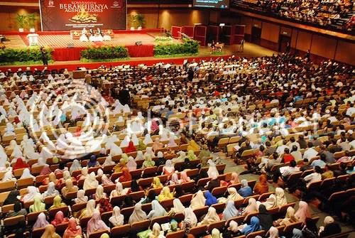 Dewan Merdeka PWTC telah dibanjiri 3000 hadirin