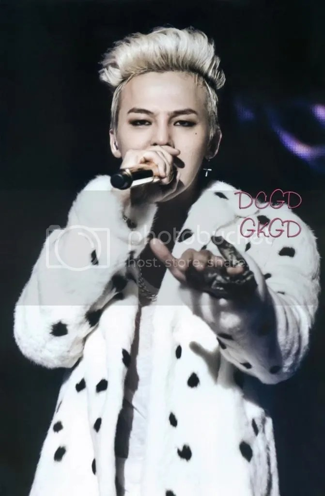 photo gdragon_one_of_a_kind_scans_013-800x1220_zps28c2ee85.jpg