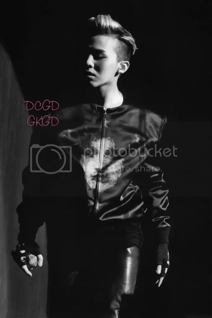 photo gdragon_one_of_a_kind_scans_017-800x1200_zpsc6750d03.jpg