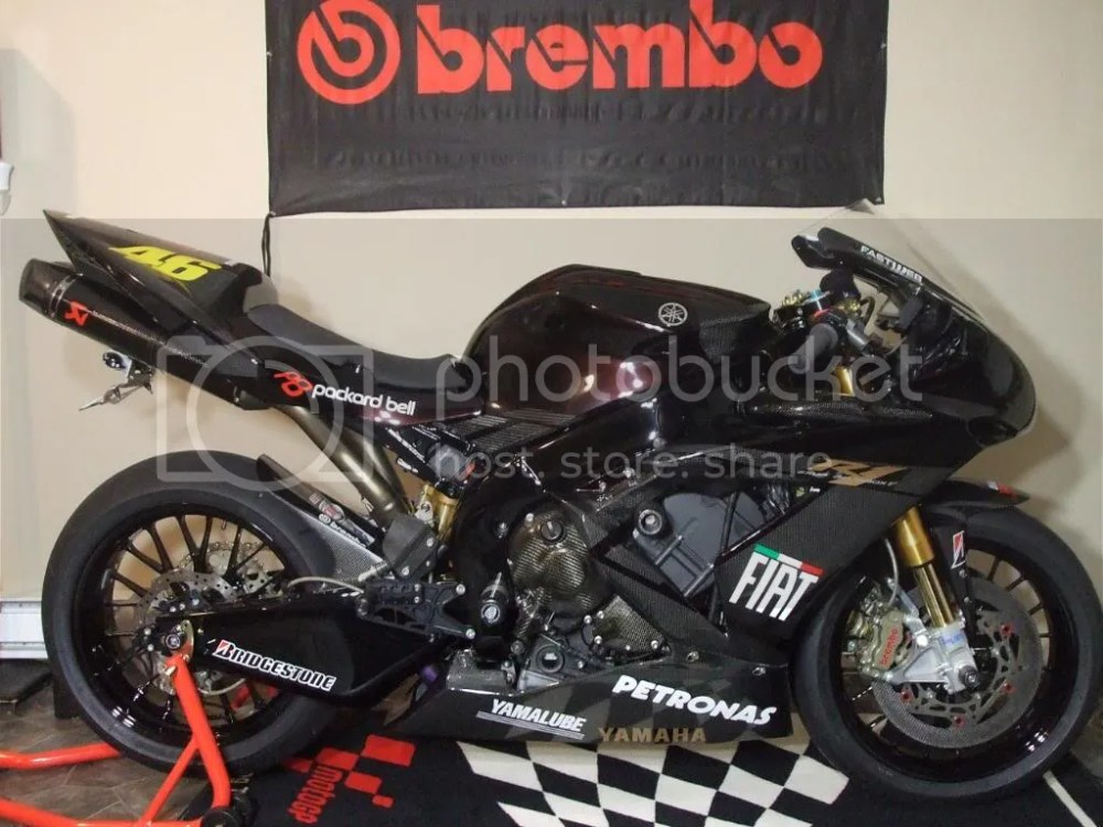 medium resolution of just finished puting decals all over the bike what do you think