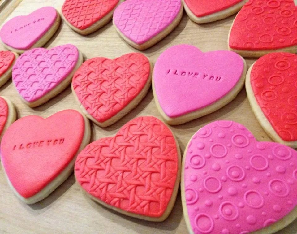 9 Very Creative Valentines Cookies Beyond Frosted Hearts
