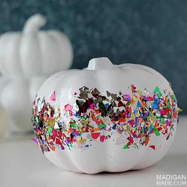 Super easy confetti pumpkin craft