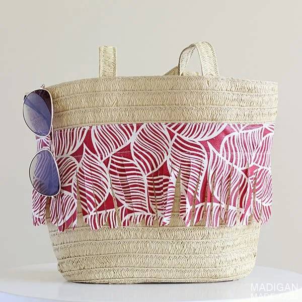 How to make a DIY summer straw tote with fabric fringe