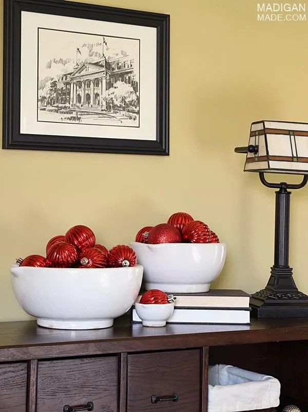 easy ornament in bowls for holiday decor