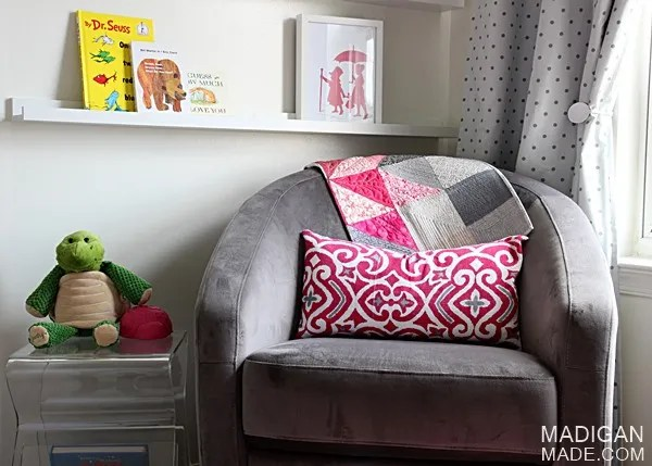 reading nook nursery idea with glider for babys room