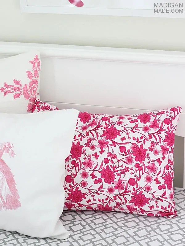 How to sew a pillow from fat quarters