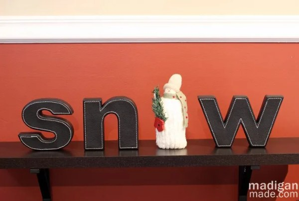 Cute snowman decor idea with typography letters - part of the holiday home tour at madiganmade.com