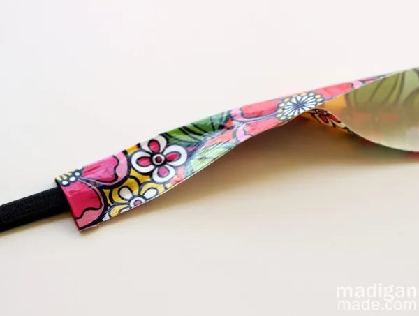 DIY: How to make a headband with duck tape
