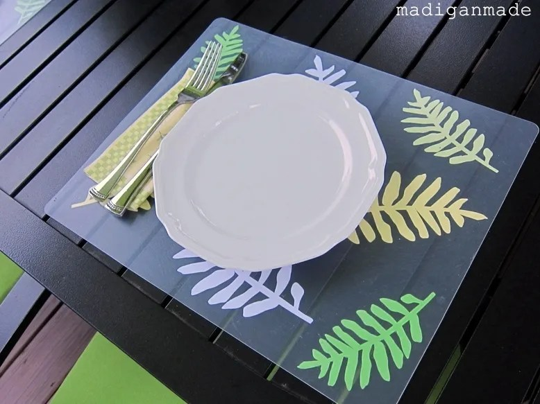 Easy Outdoor Place Mats From Plastic Chopping Mats