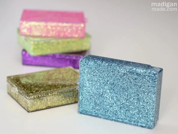 Simple glitter gift boxes - craft tutorial at madiganmade.com